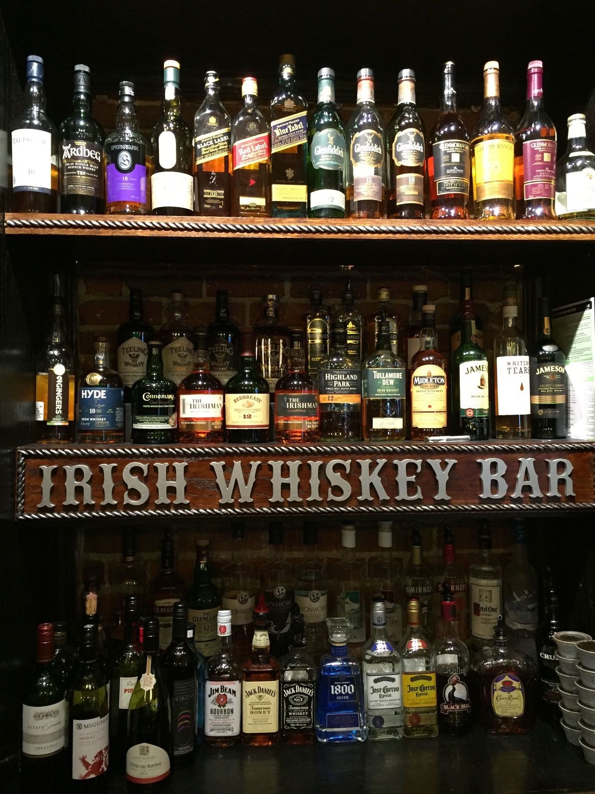 Irish Whiskey Bar